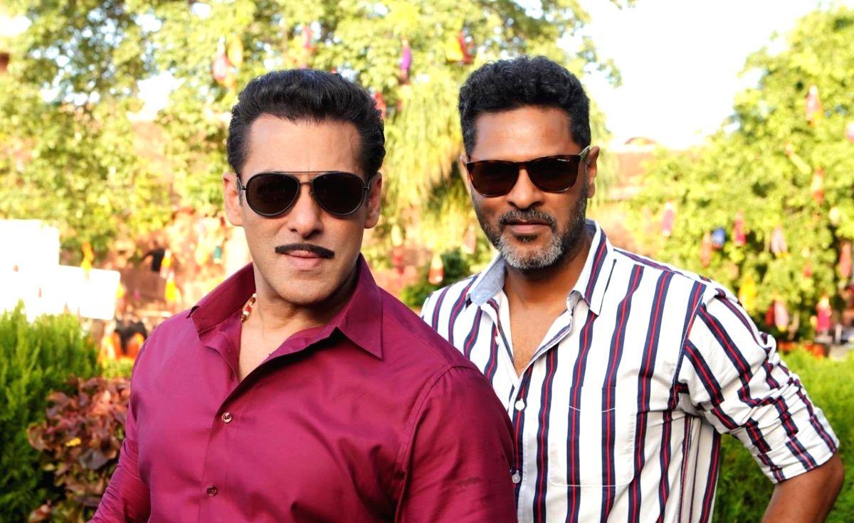 """Salman Khan with his """"Dabangg 3"""" director Prabhudeva"""