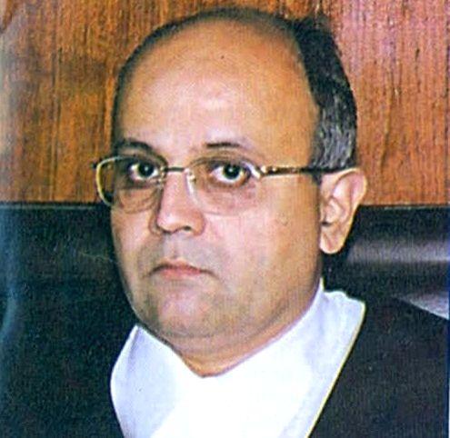 Bombay HC Judge Dharmadhikari quits