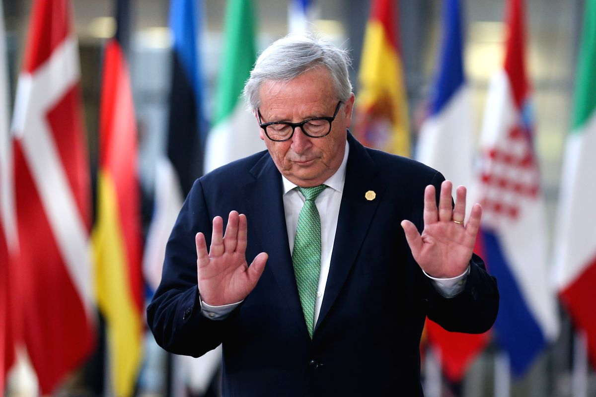 BRUSSELS, May 28, 2019 (Xinhua) -- European Commission President Jean-Claude Juncker arrives at the European Union headquarters for an informal dinner of EU heads of state or government in Brussels, Belgium, on May 28, 2019. The European Union (EU) m