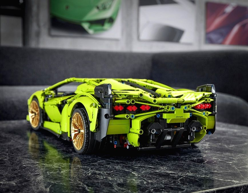 Build your own Lamborghini while home sheltering.