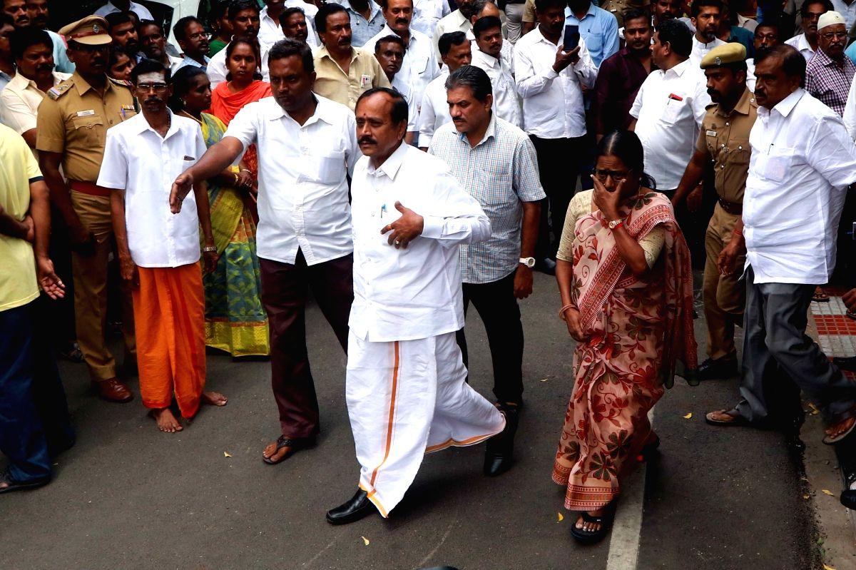 BJP national secretary H Raja arrives to meet DMK President M. Karunanidhi, in Chennai (File Photo)