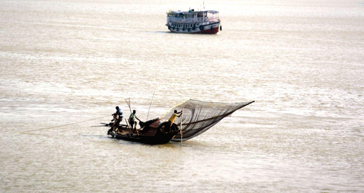 Chennai: Indian Coast Guard rescues 14 fishermen off Tamil Nadu coast. (Photo: Kuntal Chakrabarty/IANS)