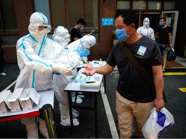 Chinese mainland reports 30 new Covid-19 cases