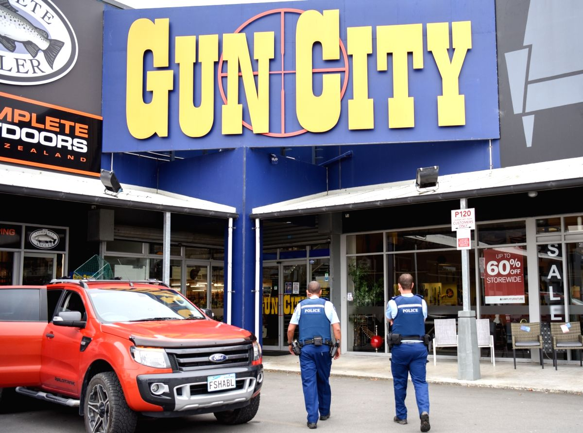 """CHRISTCHURCH, March 22, 2019 (Xinhua) -- Police officers patrol near a gun market named """"Gun City"""" at suburb area of Christchurch, New Zealand, March 18, 2019. Military style semi-automatic weapons (MSSA) and assault rifles are to be banned in New Ze"""