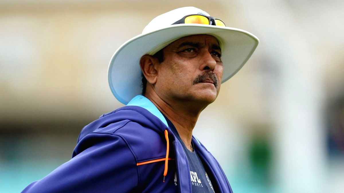 Coach Shastri hints that he might step down after T20 World Cup