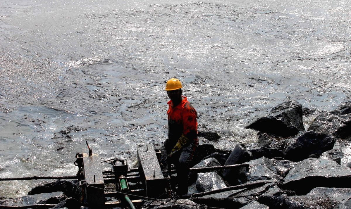 COAST GUARDS busy controlling the damage caused by the oil that spilled in the ocean due to the collision of two ships off Chennai coast.