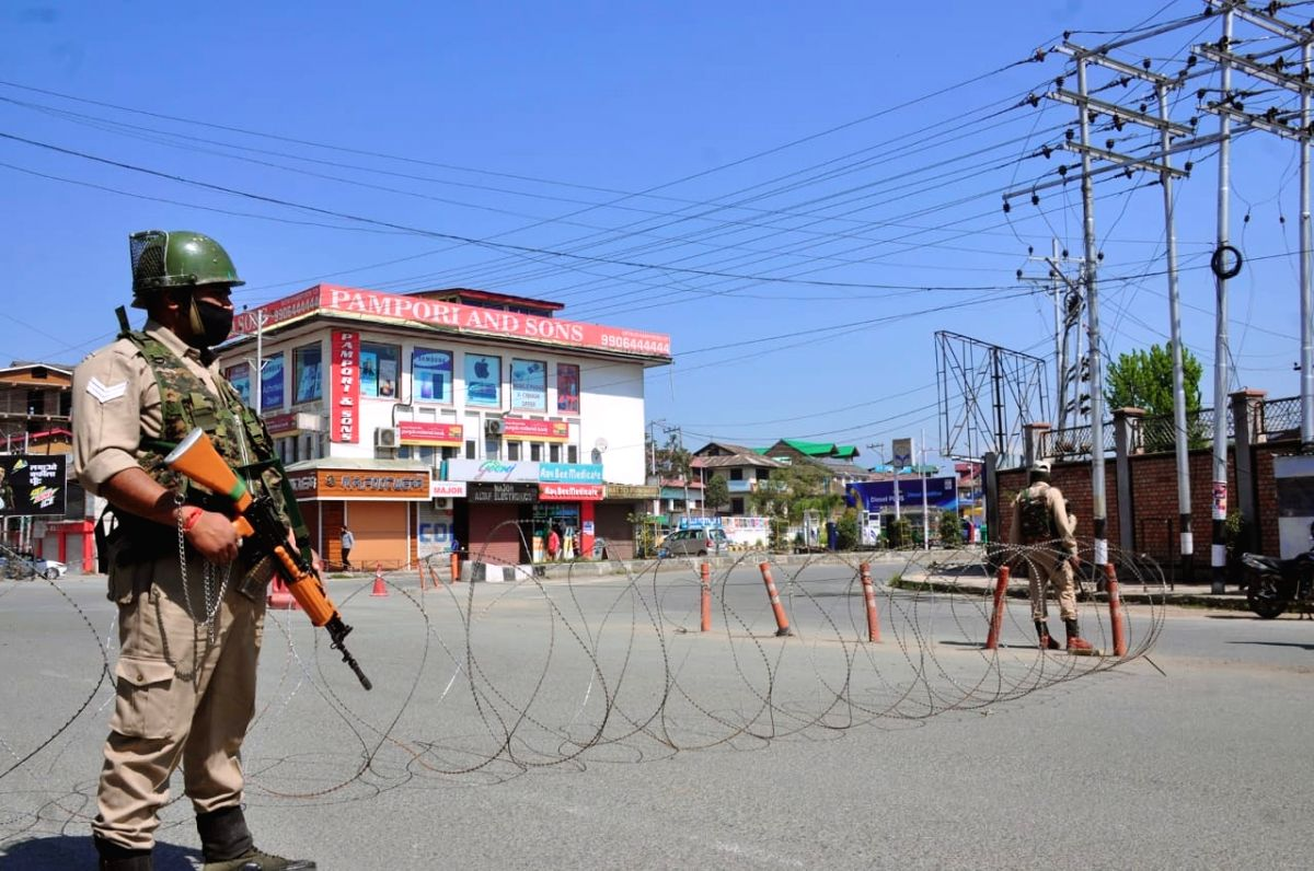 Helpline launched for movement of medical staff in Kashmir in Covid curfew