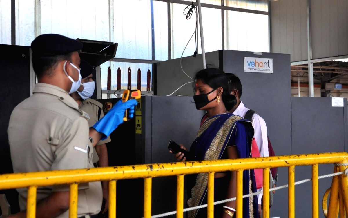 COVID-19 awareness campaign through puppetry