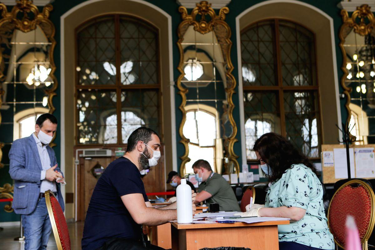 Covid-19 cases in Russia surpass 674,000
