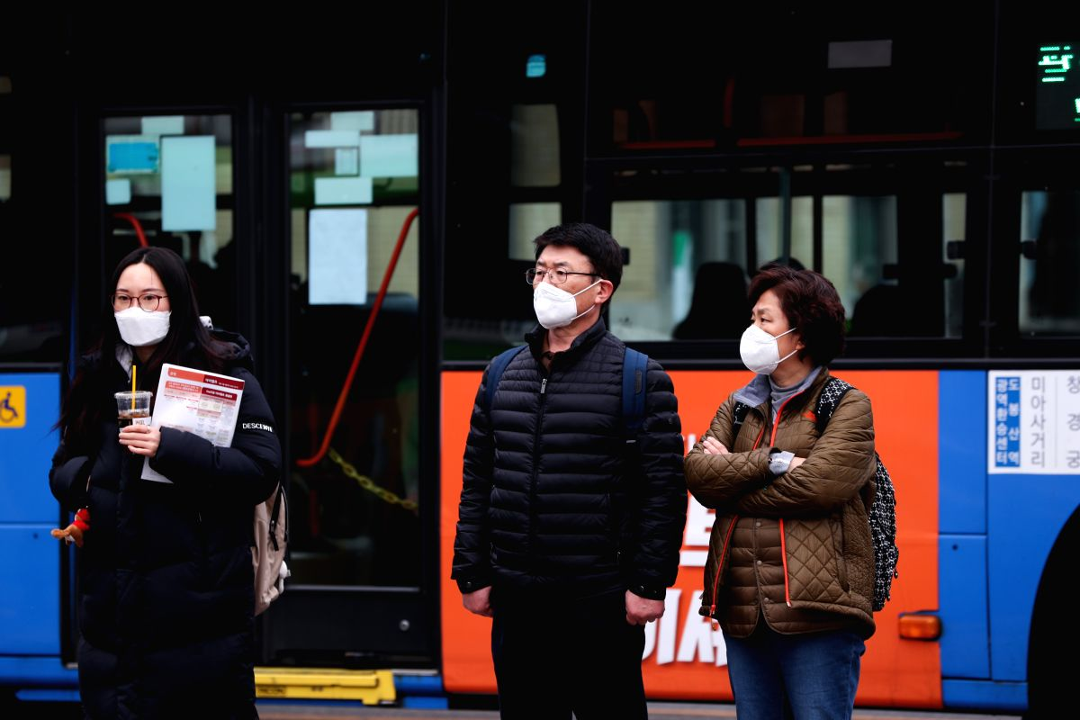 COVID-19: 'Red' alert issued in S.Korea as toll rises to 5. (IANS)