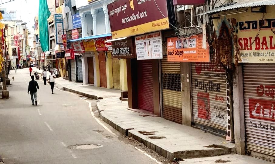 Day 1 of lockdown in Karnataka witnesses chaos
