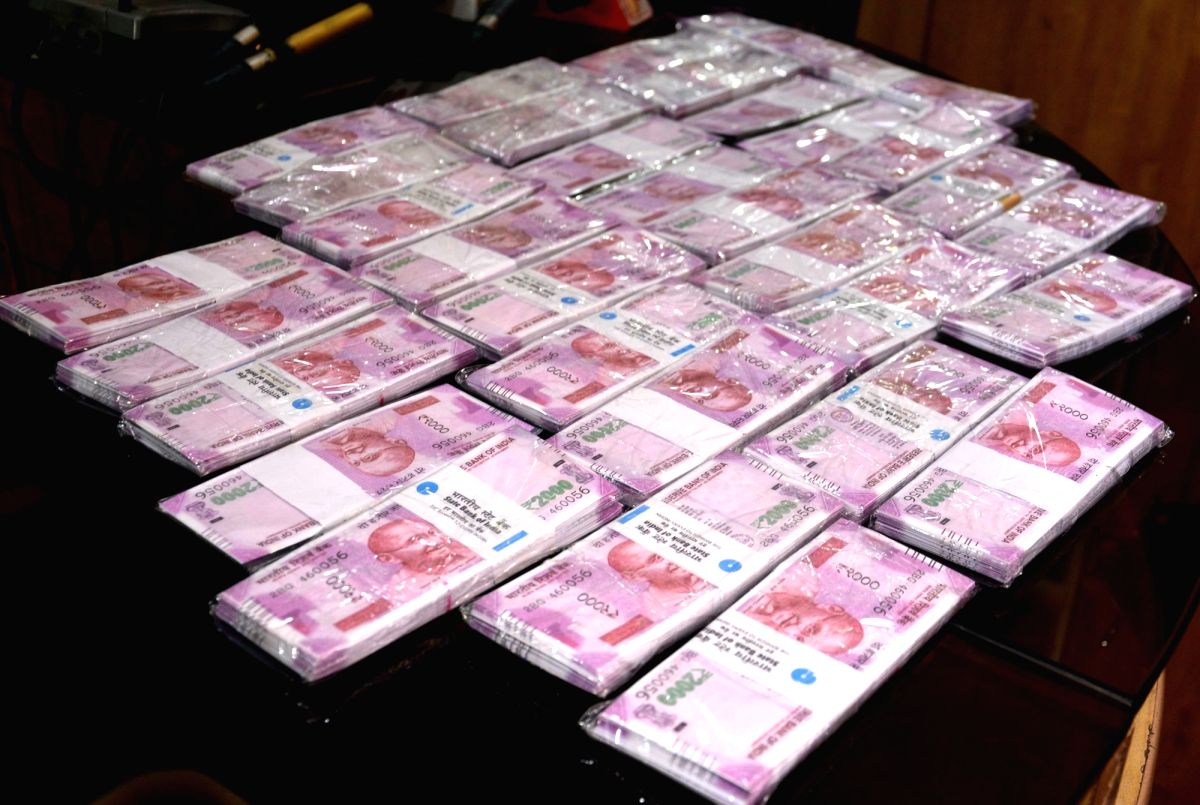 DRI seizes fake currency worth Rs 1.20 lakh in Darjeeling.