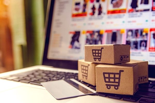E-commerce props up paper-packaging fortunes.( https://pixabay.com/)