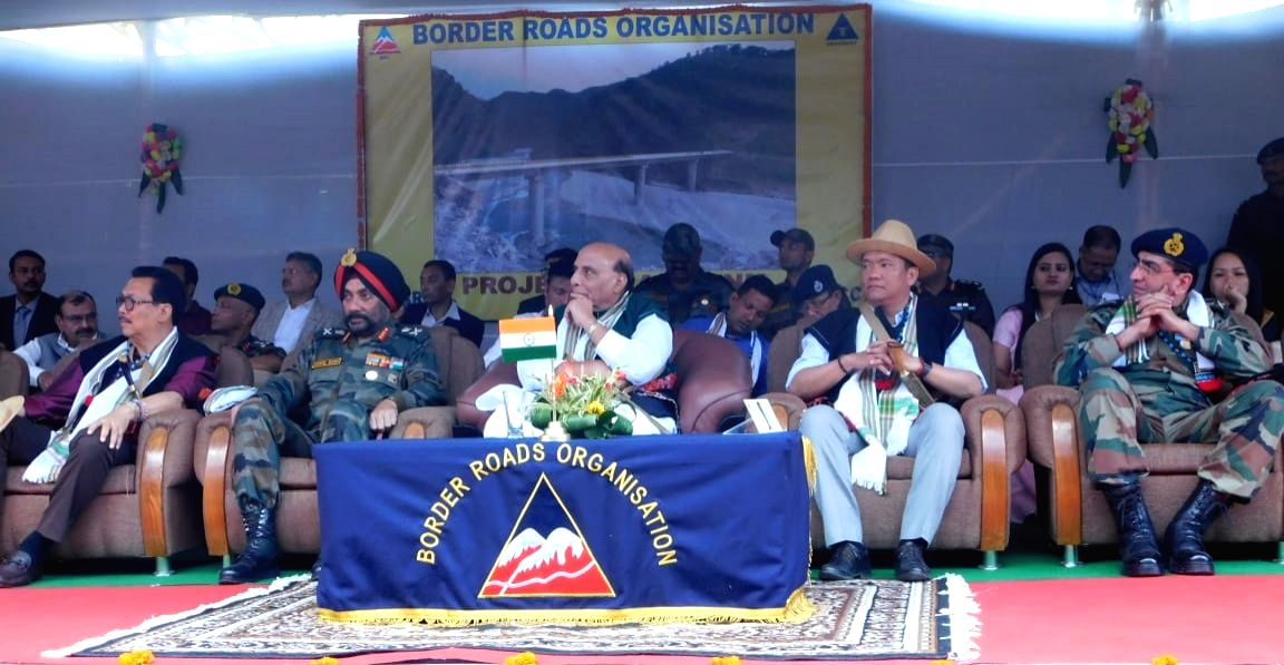 East Siang: Defence Minister Rajnath Singh, Arunachal Pradesh Chief Minister Pema Khandu and Border Roads Director General Lt. General Harpal Singh during the inauguration of Sisseri River bridge connecting Lower Dibang Valley with East Siang, in Aru
