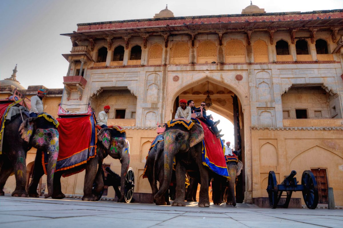 Tourists taking elephant rides in the Amber Fort