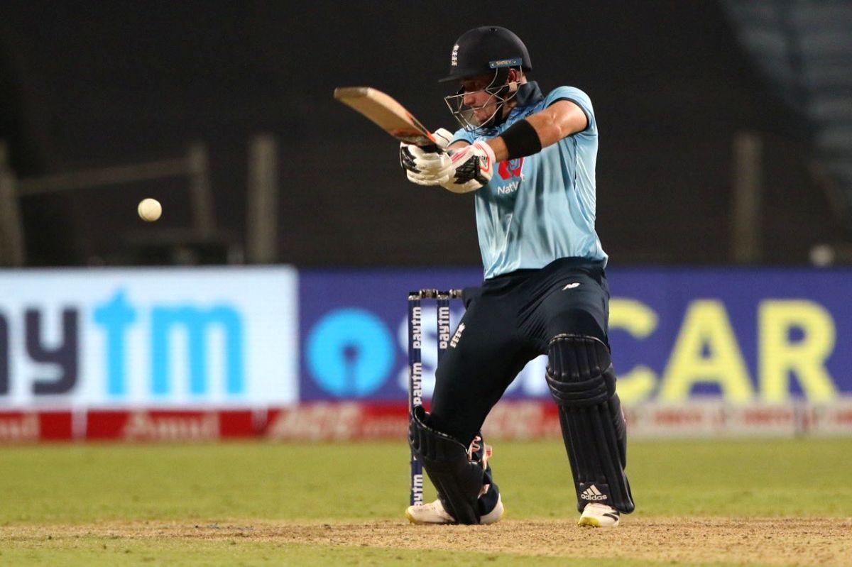 England thrash Sri Lanka, take 2-0 lead in T20I series.