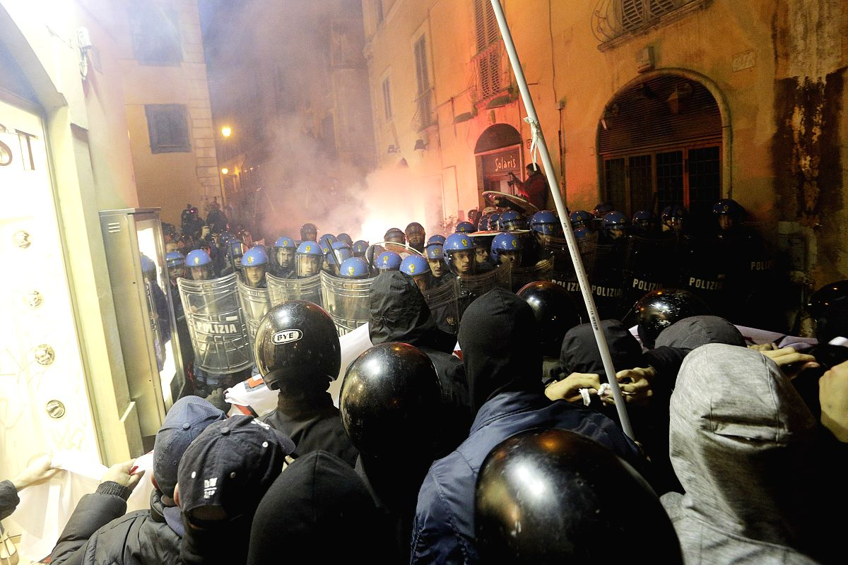 Far-right Rome protest turns briefly violent