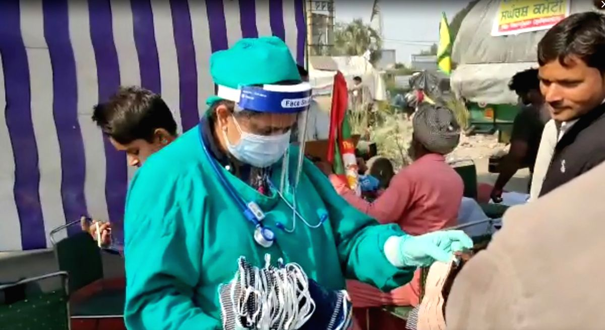 Farmers' plight compels Gurgaon surgeons to set up medical camp.