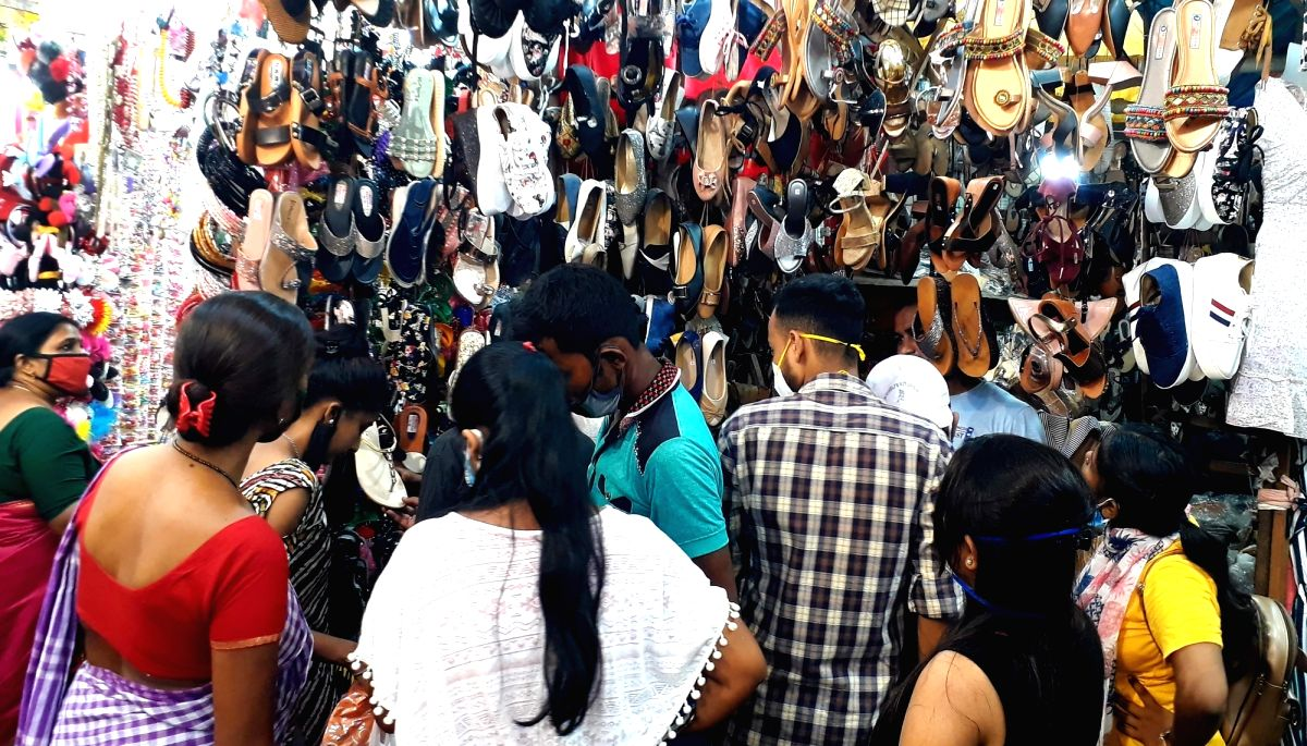 Festive season to give temporary boost to economy: Report
