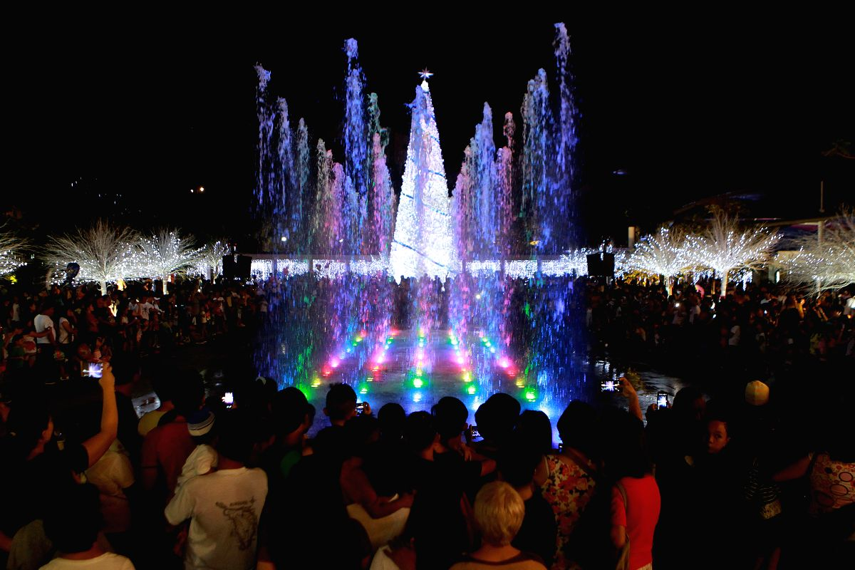 Filipinos brace for Christmas sans parties