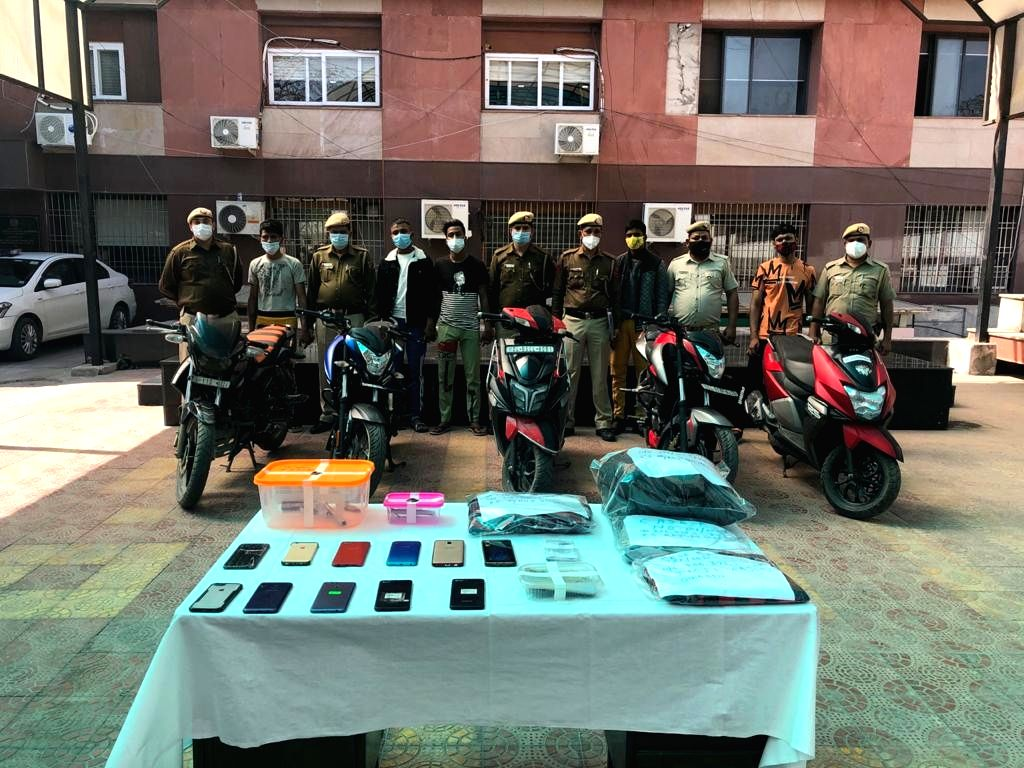 Five who used bikes to snatch mobiles arrested in Delhi
