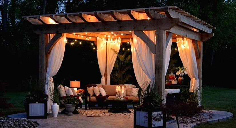 For many, Valentine's Day is the day of celebrating your partner, your love or even revealing your emotions. Sometimes, a perfect setting can go a long way in creating the right ambience and setting the mood.