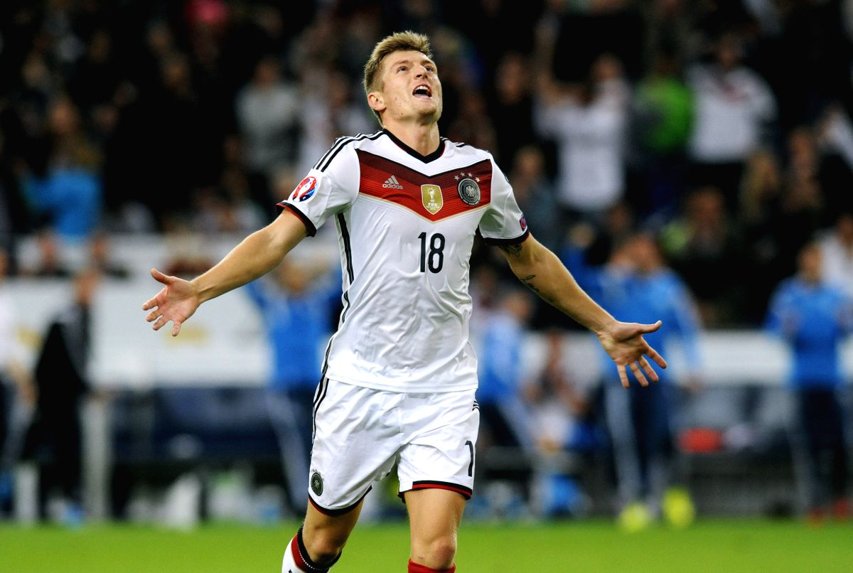 FRANKFURT, Oct. 15, 2014 (Xinhua) -- Germany's Toni Kroos celebrates the goal during the Euro 2016 Qualifier football match against Ireland in Frankfurt, Germany, on Oct. 14, 2014. The match ended with a 1-1 draw. (Xinhua/Uwe Kraft/IANS)