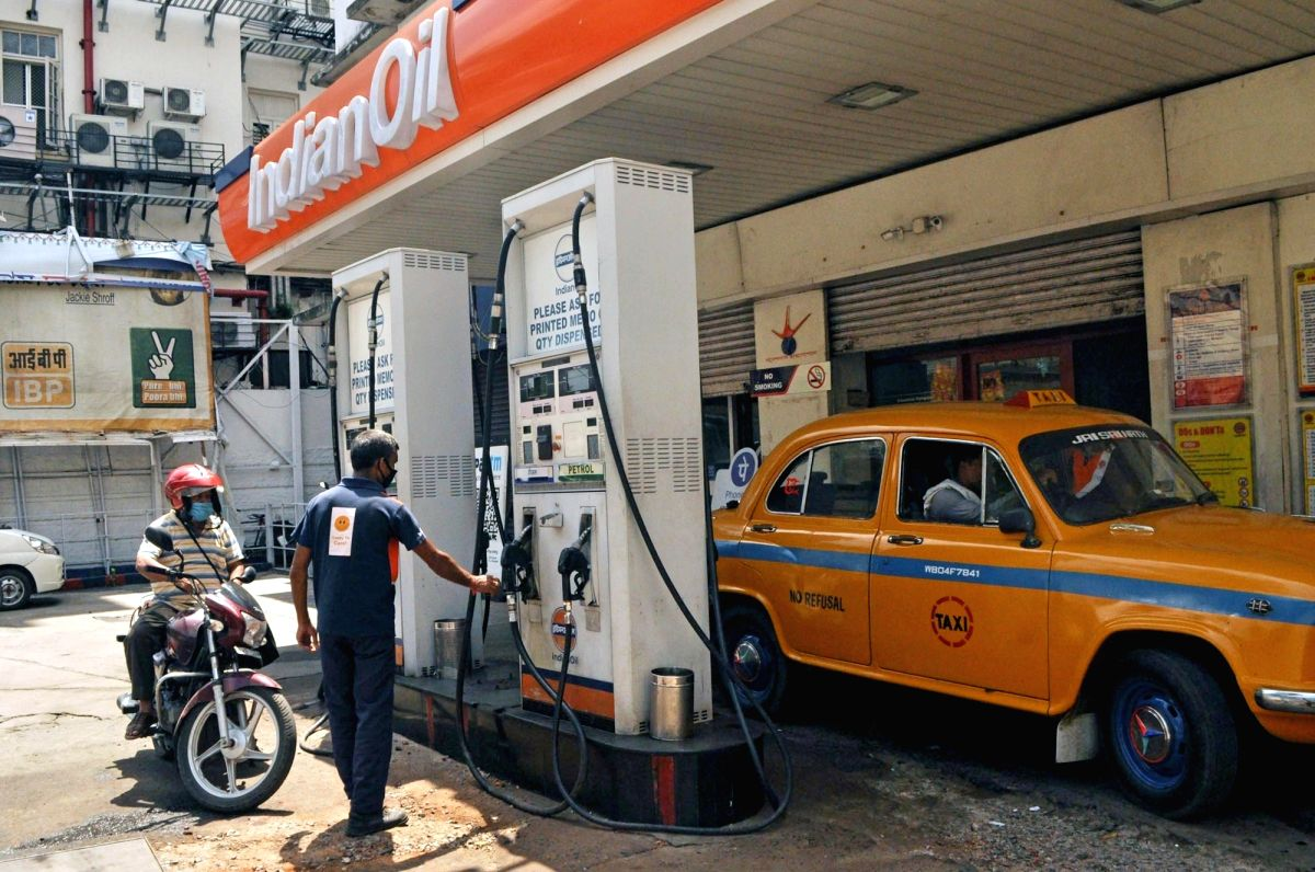 Fuel prices remain unchanged on Friday