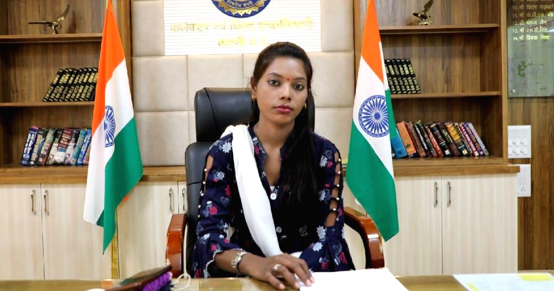 Girl who beat up miscreants, made collector for a day