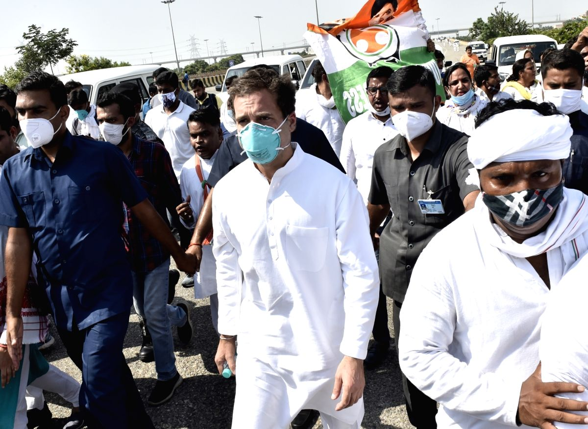 Greater Noida: Congress leaders Rahul Gandhi and Priyanka Gandhi Vadra started a foot-march on the highway between Delhi and Uttar Pradesh as their convoy was stopped on its way to Hathras, where they had to meet the family of the gang-rape victim wh