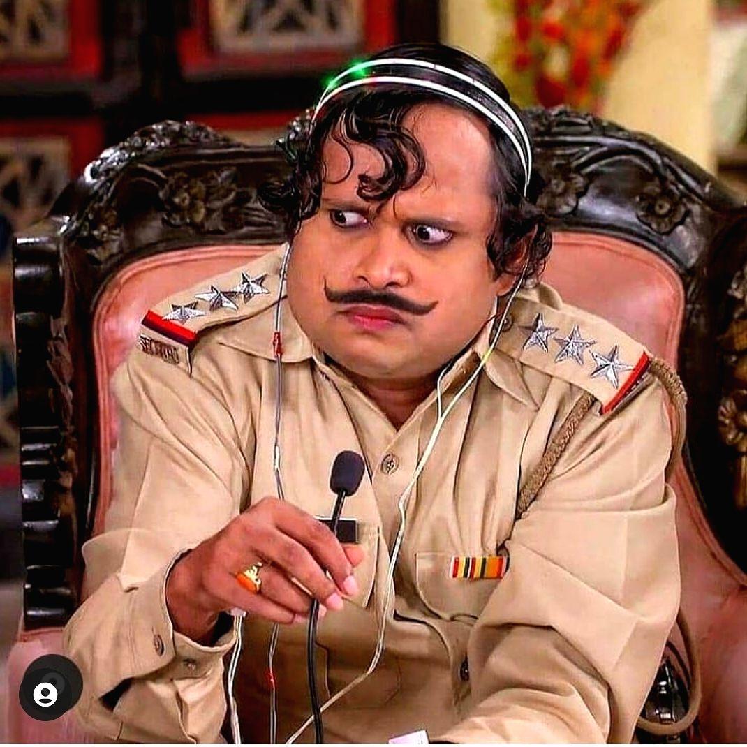 Happu Singh Yogesh Tripathi reminds co-star Kamna Pathak of Govinda