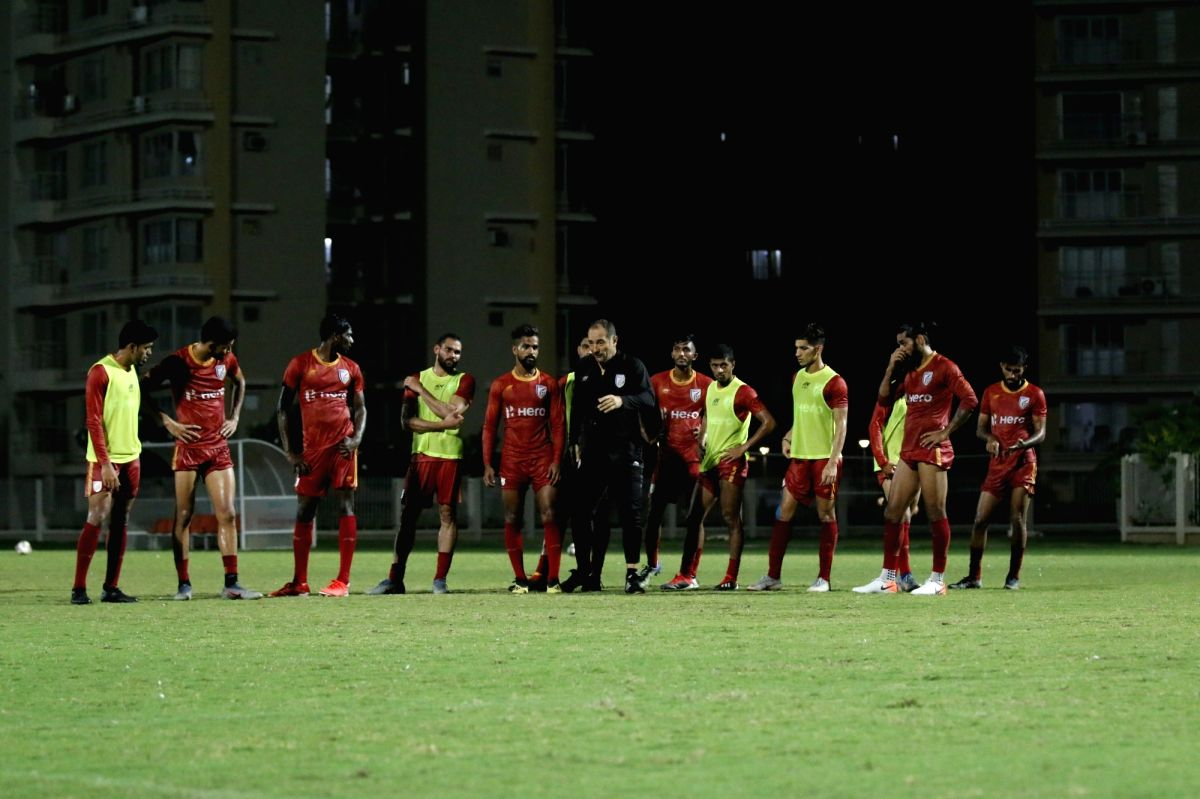 head coach Igor Stimac with players of the Indian national football team during a practice session.