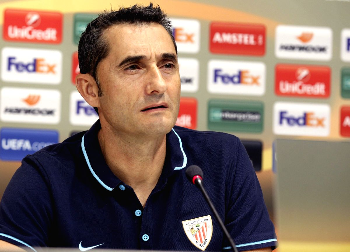 Head coach of Athletic Bilbao, Ernesto Valverde, speaks during a press conference held on the eve of their UEFA's Europa League group stage match against FC Augsburg, in Bilbao, Spain, 16 September 2015. EFE/Luis Tejido/IANS
