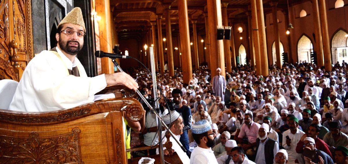 Hurriyat (M) chief Mirwaiz Umar Farooq during Friday prayers at Jamia  Masjid in Srinagar on Aug. 18, 2017.