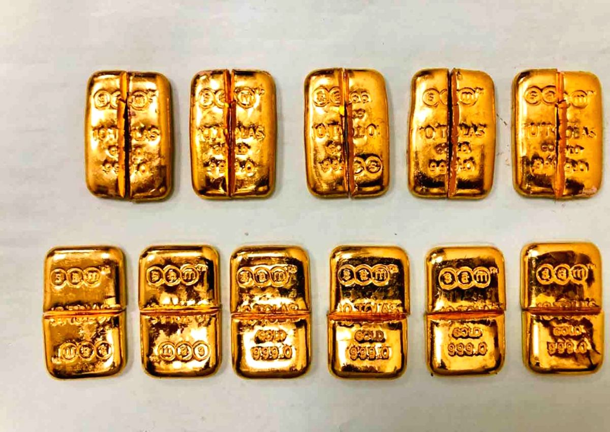 Hyderabad : Customs booked a case for smuggling of Gold on a pax arriving from Cochin by 6E-697. Foreign marked gold smuggled from Dubai and concealed in the washroom of the aircraft was retrieved by the said pax. Gold of 1.2 kg valued at Rs. 60 lakh