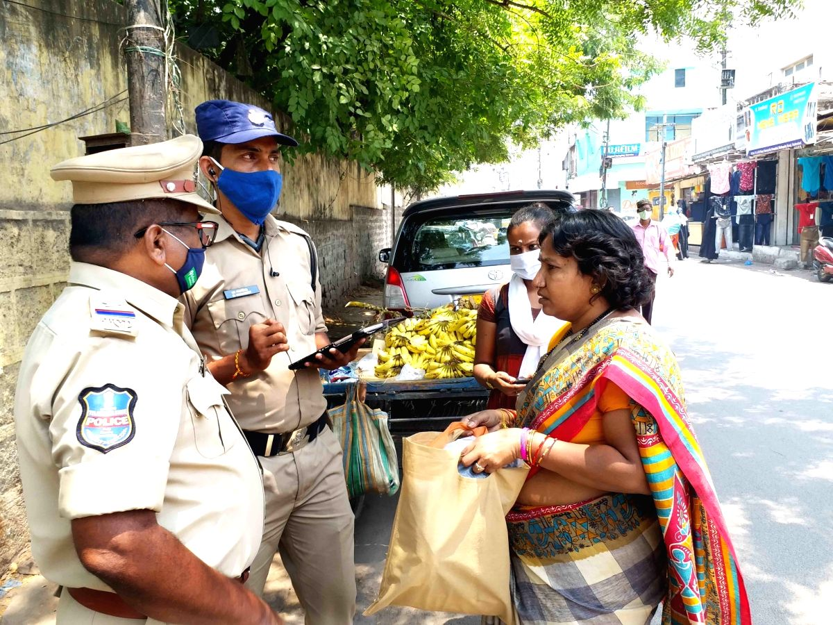 Hyderabad : Hyderabad  police  seized cell phone if not paid Fine of ₹ 1,000 fine for not wearing mask  and  asked people in the State to follow all COVID guidelines, including wearing masks, take necessary precautions and be alert to contain the s