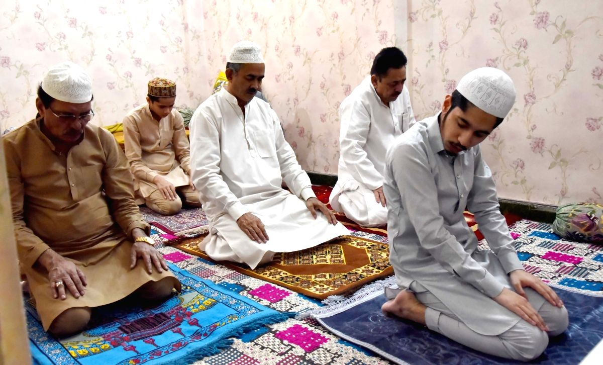 Hyderabad, May 25 (IANS) Muslims in Telugu states of Telangana and Andhra Pradesh celebrated Eid-ul-Fitr on Monday sans the congregational prayers, traditional festivities, new clothes, handshakes, and warm hugs amid lockdown restrictions due to coro
