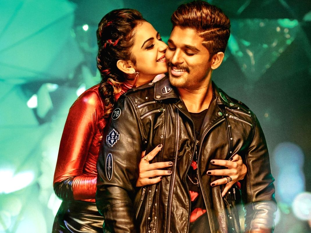 Hyderabad: Stills of Telugu Film Sarrainodu.