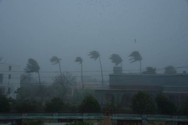 Cyclone Tauktae hits Karnataka coast, brings in heavy rainfall