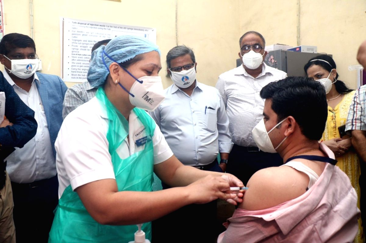 India continues with low streak of daily Covid cases