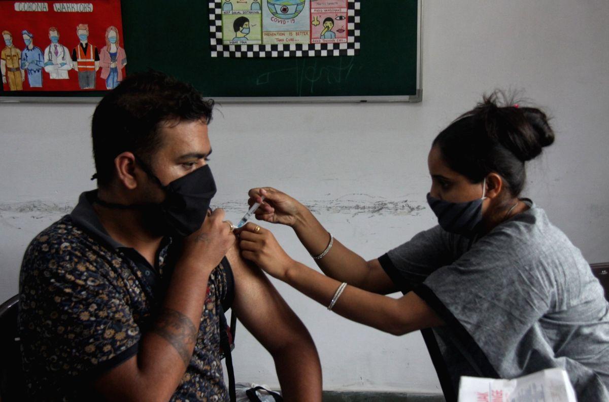 India's Covid vaccination coverage crosses 40 cr