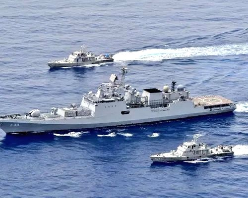Indian Navy holds exercises in the Red Sea, not far from the Suez Canal.(photo:IN)