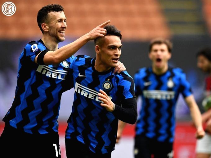 Inter dominate Milan derby, win 3-0 to open 4-point lead in Serie A.(Credit: Inter Milan twitter)