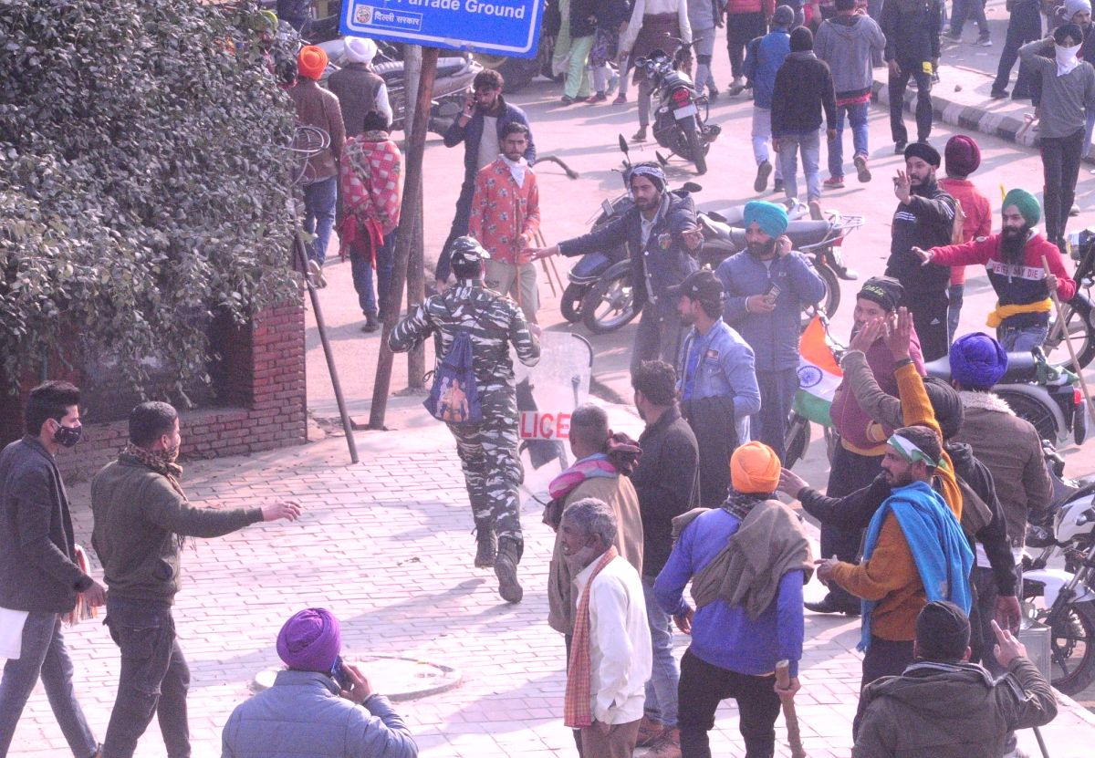 Internet services stopped after violence during tractor march (Photo: Bidesh Manna/IANS)