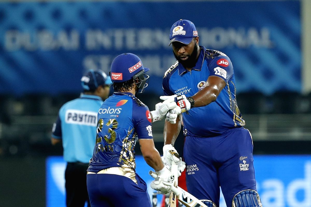 Ishan Kishan of Mumbai Indians and Kieron Pollard of Mumbai Indians