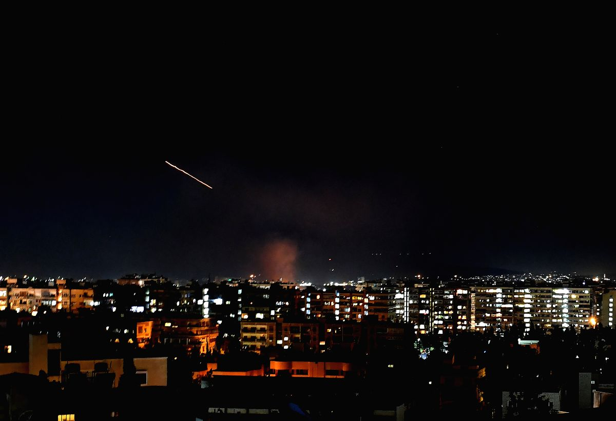 Israel strikes near Damascus injure 4 soldiers