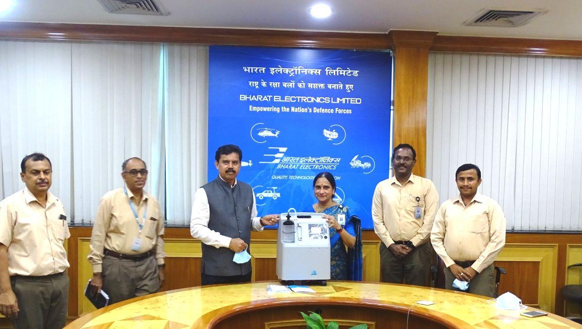 Israeli aerospace firm donates 100 oxygen concentrators to BEL.