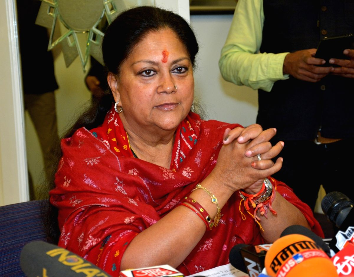 Jaipur: BJP leader Vasundhara Raje addresses a press conference at her residence in Jaipur on Dec 11, 2018.