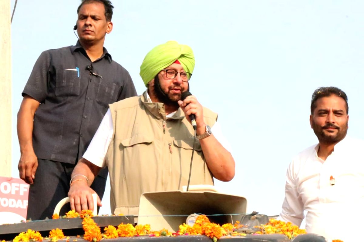 Jalalabad: Punjab Chief Minister Amarinder Singh campaigns for Congress candidate Raminder Awla ahead of Jalalabad by-elections, at Jalalabad in Punjab's in Fazilka district on Oct 16, 2019.