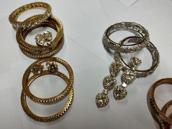 Jewellery goes missing from bank locker, probe on.